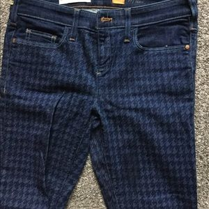 Anthropologie pilcro jeans in serif.